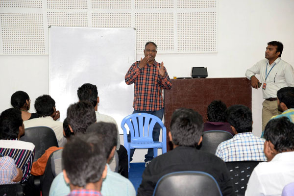 Workshop on Photography & Photo Journalism, Ace Photo Journalist Mr.Siva Perumal who has worked with Anandha Vikatan, Indian Today